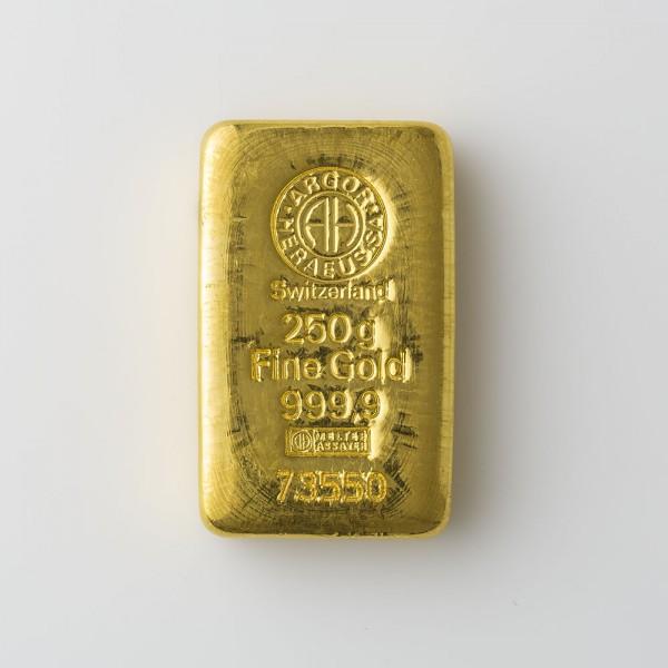 {'peso': 250.0, 'image': 'https://arfo.s3.amazonaws.com/media/lingotti/ling250.jpg', 'prezzo': 12584.65, 'prezzo_man': 80.0, 'url': '250-grammi'}